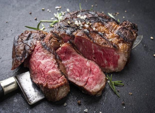 Người Nhật từng chê bò wagyu vừa lùn lại còn ít thịt, may có một bác hàng xóm mách nước mới phổ biến đến tận giờ - Ảnh 6.