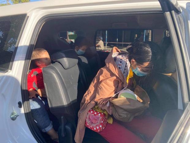 Vợ chồng nghèo ôm con 9 ngày tuổi chạy xe máy hơn 1.000km từ miền Nam về quê tránh dịch - Ảnh 6.