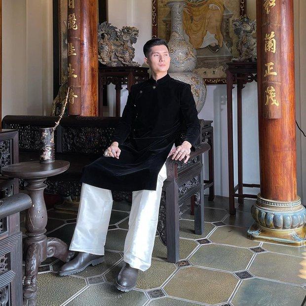 """Lâm Bảo Châu diện áo dài chỉnh tề ẩn ý đợi """"mợ"""" Lệ Quyên, netizen nhận xét thẳng: """"Trông anh già đi nhiều quá"""" - Ảnh 2."""