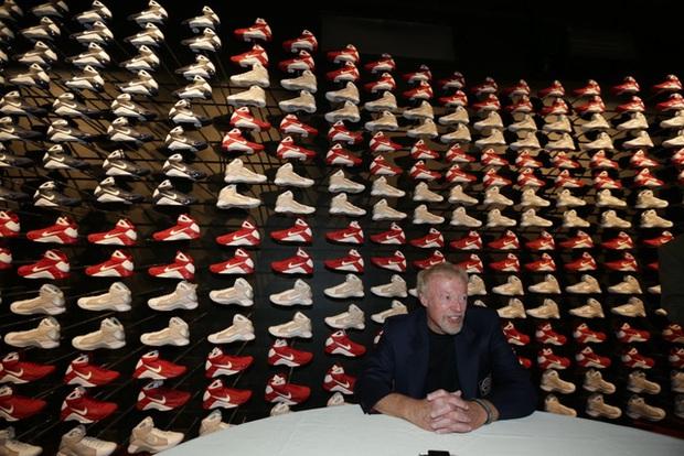 """""""Cha đẻ"""" Nike: Từ gã nghiện giày đi bán rong đến chủ nhân đế chế tỷ đô và câu nói """"con không bao giờ đi giày bố bán"""" chưa từng nguôi nhói đau - Ảnh 10."""