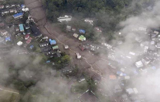Lở đất nghiêm trọng tại Nhật Bản: Ít nhất 2 người thiệt mạng, hàng chục người mất tích - Ảnh 1.