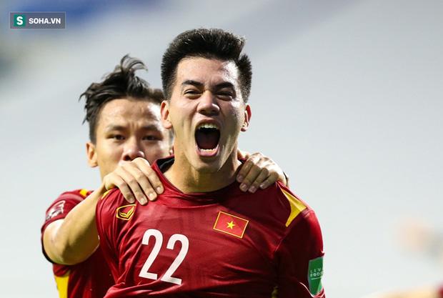 Phóng viên Trung Quốc: ĐT Việt Nam có một chân sút đủ sức tới Trung Quốc & Châu Âu thi đấu - Ảnh 1.