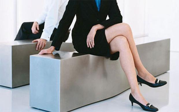 Tư thế ngồi có thể lột trần tính cách tiềm ẩn của người khác như thế nào? Nếu bạn thuộc kiểu số 1 thì xin chúc mừng - Ảnh 1.