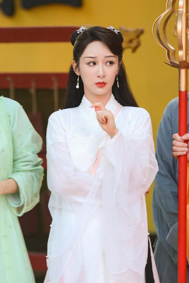 Hậu scandal bị đàn chị tố giả tạo, xảo quyệt, không lễ phép, Dương Tử gây sốt với visual thanh tú lên hương ngút ngàn - Ảnh 2.