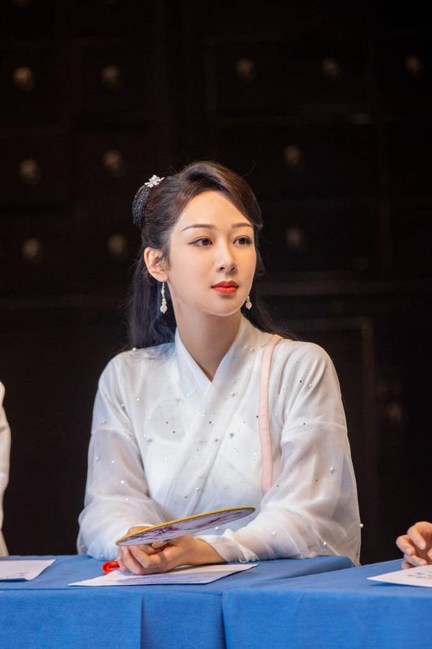 Hậu scandal bị đàn chị tố giả tạo, xảo quyệt, không lễ phép, Dương Tử gây sốt với visual thanh tú lên hương ngút ngàn - Ảnh 3.