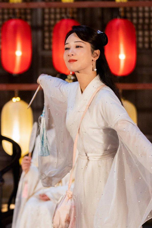 Hậu scandal bị đàn chị tố giả tạo, xảo quyệt, không lễ phép, Dương Tử gây sốt với visual thanh tú lên hương ngút ngàn - Ảnh 8.