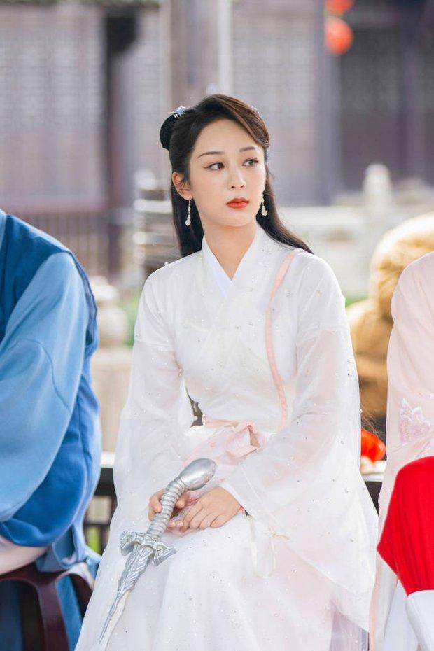 Hậu scandal bị đàn chị tố giả tạo, xảo quyệt, không lễ phép, Dương Tử gây sốt với visual thanh tú lên hương ngút ngàn - Ảnh 5.