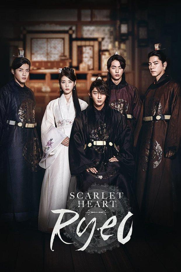 Netizen phát hiện ra lời nguyền poster phim Hàn: Cứ đứng bên trái là không có được nữ chính đâu! - Ảnh 9.