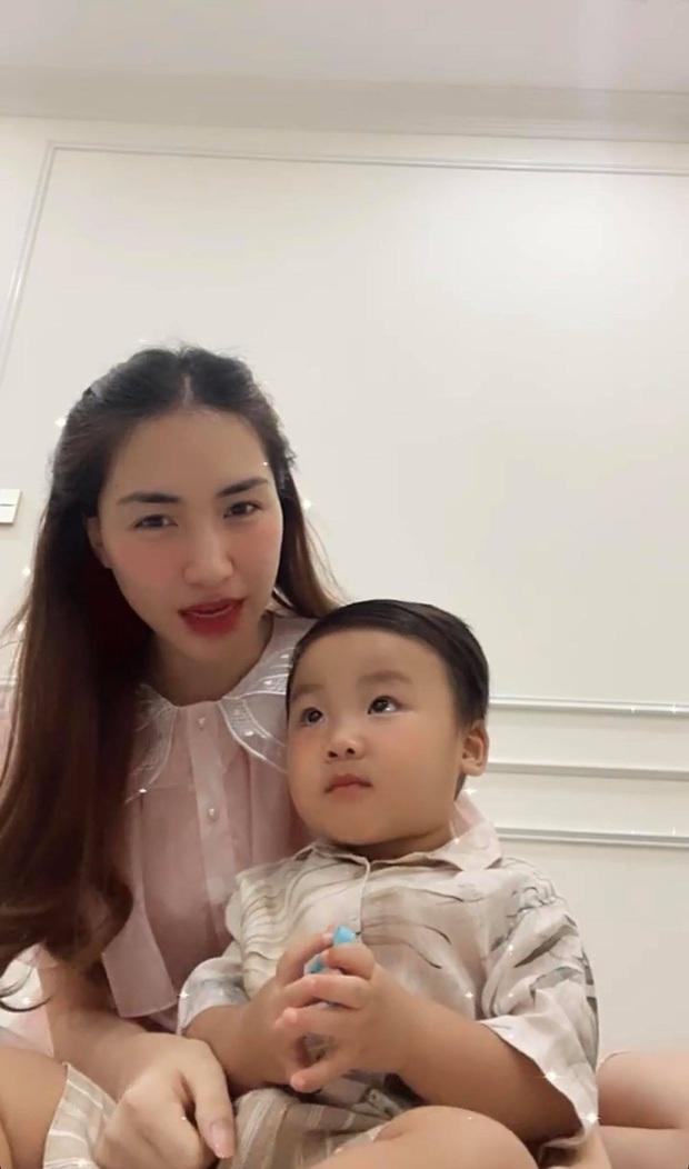 Hoà Minzy viết tâm thư dài lo lắng về chuyện công khai con trai, clip bé Bo nhận lỗi và nói thương mẹ gây xúc động mạnh - Ảnh 10.