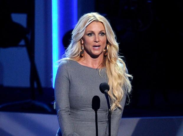 Bản điều tra lần đầu công bố loạt sự thật về quyền bảo hộ Britney Spears: Bị bố ruột chửi bới thậm tệ, muốn bên con nhưng bị áp giải như sát nhân - Ảnh 12.