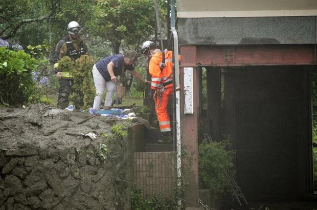 Lở đất nghiêm trọng tại Nhật Bản: Ít nhất 2 người thiệt mạng, hàng chục người mất tích - Ảnh 3.