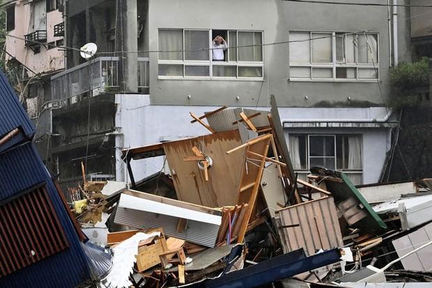 Lở đất nghiêm trọng tại Nhật Bản: Ít nhất 2 người thiệt mạng, hàng chục người mất tích - Ảnh 4.