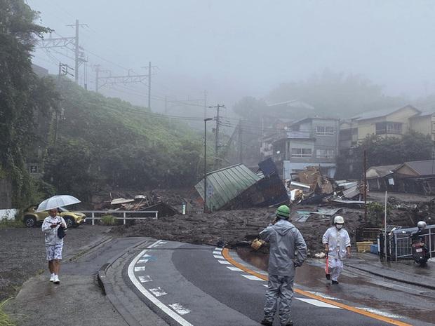 Lở đất nghiêm trọng tại Nhật Bản: Ít nhất 2 người thiệt mạng, hàng chục người mất tích - Ảnh 7.