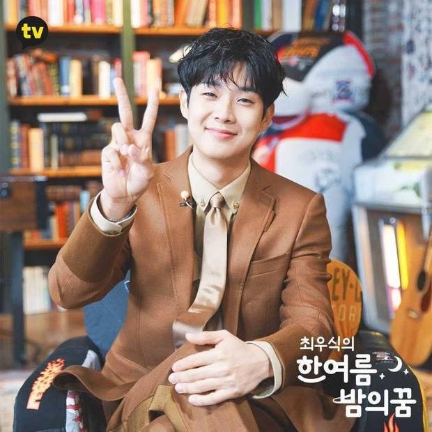 Fanmeeting quy tụ hội bạn nam thần hot nhất xứ Hàn: V (BTS) - Park Seo Joon visual như tạc, át luôn 2 tài tử Parasite và The Heirs - Ảnh 18.