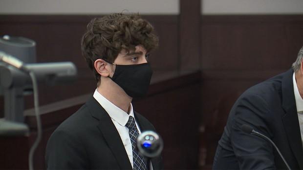 Tên tội phạm điển trai gây sốt TikTok bị tuyên án 24 năm tù vì tội ác ghê rợn - Ảnh 5.