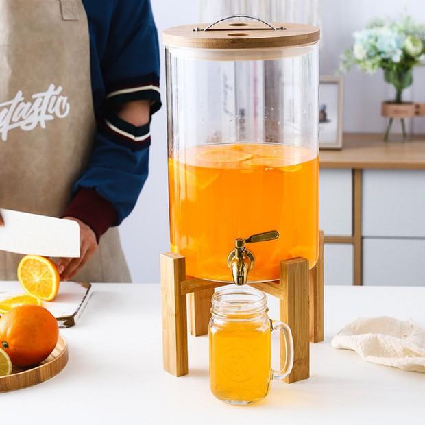 Chị em sắm bình thủy tinh có vòi cực tây này đi, uống nước gì cũng ngon hơn lại kiêm luôn món decor đẹp xịn  - Ảnh 9.