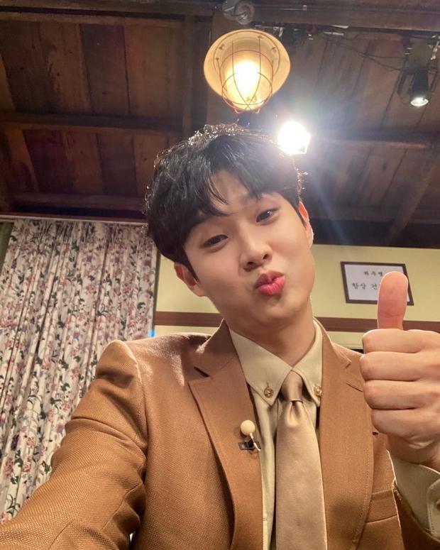 Fanmeeting quy tụ hội bạn nam thần hot nhất xứ Hàn: V (BTS) - Park Seo Joon visual như tạc, át luôn 2 tài tử Parasite và The Heirs - Ảnh 21.