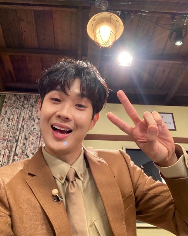 Fanmeeting quy tụ hội bạn nam thần hot nhất xứ Hàn: V (BTS) - Park Seo Joon visual như tạc, át luôn 2 tài tử Parasite và The Heirs - Ảnh 20.