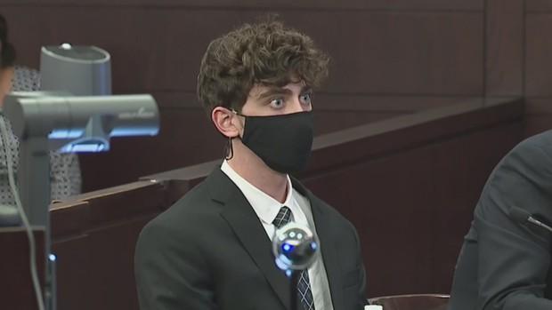 Tên tội phạm điển trai gây sốt TikTok bị tuyên án 24 năm tù vì tội ác ghê rợn - Ảnh 7.