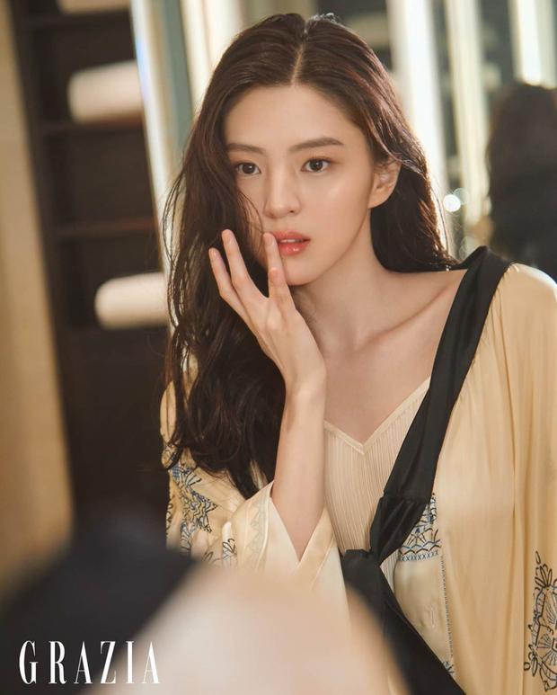 Trước khi va vào badboy Song Kang, Han So Hee từng là nữ chính của dàn idol nam đình đám từ SHINee đến CNBLUE đủ cả - Ảnh 10.