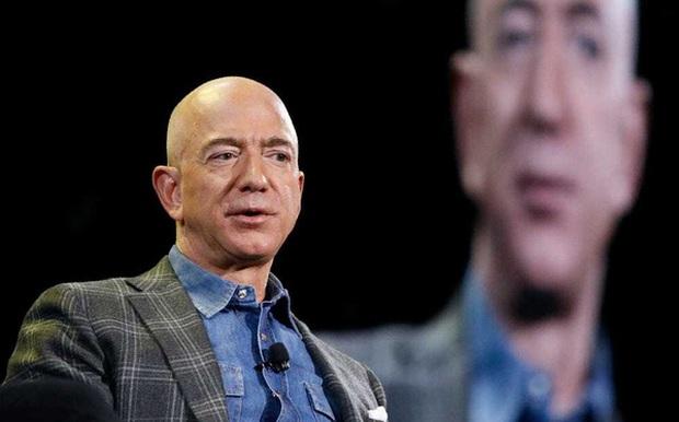 CEO Amazon Jeff Bezos nghỉ hưu từ hôm nay, tài sản khủng đến cỡ nào? - Ảnh 1.