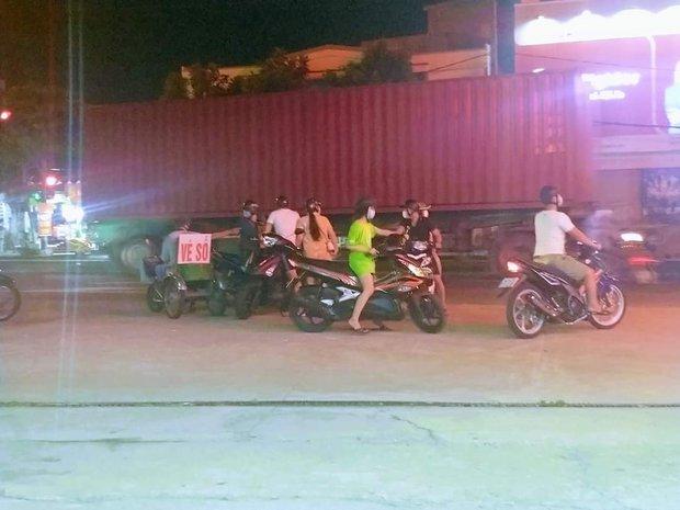 Thanh niên 21 tuổi chết thảm dưới bánh xe container - Ảnh 3.