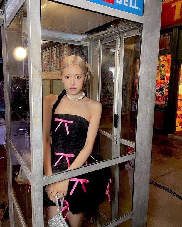 Rosé (BLACKPINK) xả ảnh hậu trường mừng MV Gone 100 triệu view: Visual đỉnh cao, chân dài miên man nhưng gầy như sắp gãy - Ảnh 10.