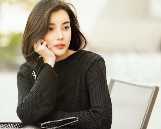Cao Thái Hà đang cùng gia đình lo hậu sự cho Đức Long trong đêm, nghẹn ngào hé lộ bệnh tình của diễn viên và thông tin tang lễ - Ảnh 2.