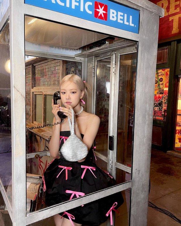 Rosé (BLACKPINK) xả ảnh hậu trường mừng MV Gone 100 triệu view: Visual đỉnh cao, chân dài miên man nhưng gầy như sắp gãy - Ảnh 9.