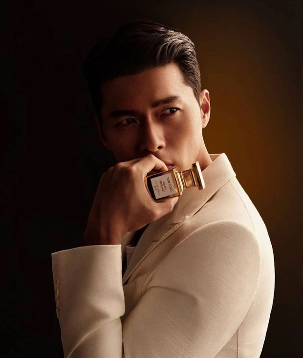 Son Ye Jin - Hyun Bin bất ngờ diện đồ đôi trên hẳn bìa tạp chí, cưới đến nơi rồi nên cố tình lộ liễu hay gì? - Ảnh 3.