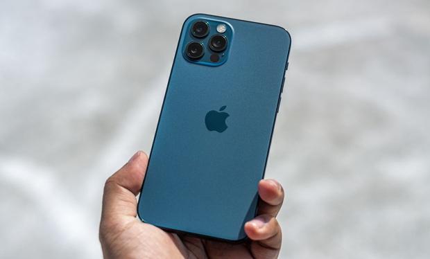 Dù dịch bệnh, người Việt vẫn chi bạo mua iPhone - Ảnh 2.