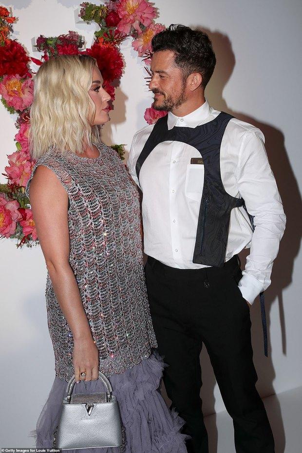 Dàn sao đổ bộ tiệc khủng của Louis Vuitton: Katy Perry - Orlando và vợ chồng Joe Jonas bị dìm toàn tập, Bella Hadid át cả dàn mẫu - Ảnh 4.