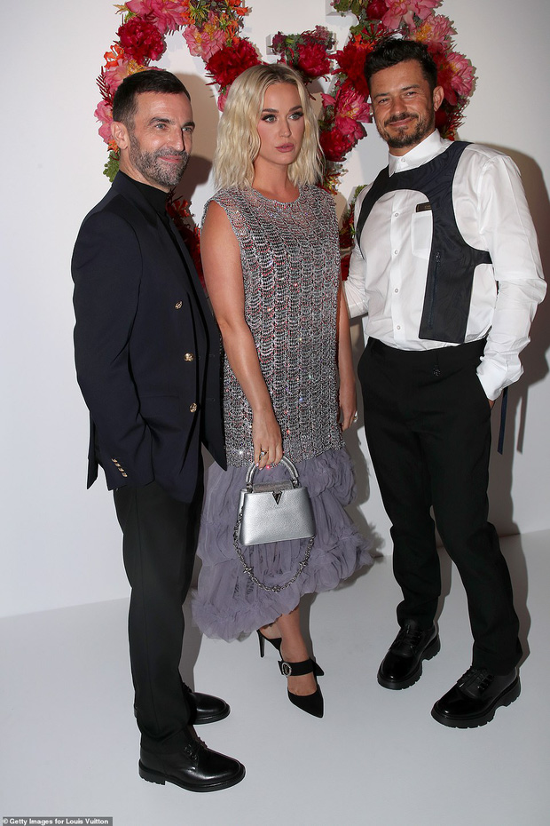 Dàn sao đổ bộ tiệc khủng của Louis Vuitton: Katy Perry - Orlando và vợ chồng Joe Jonas bị dìm toàn tập, Bella Hadid át cả dàn mẫu - Ảnh 14.