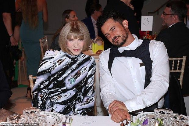 Dàn sao đổ bộ tiệc khủng của Louis Vuitton: Katy Perry - Orlando và vợ chồng Joe Jonas bị dìm toàn tập, Bella Hadid át cả dàn mẫu - Ảnh 15.