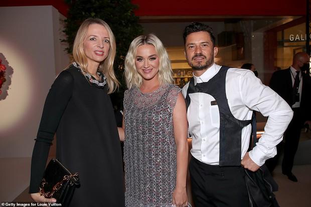 Dàn sao đổ bộ tiệc khủng của Louis Vuitton: Katy Perry - Orlando và vợ chồng Joe Jonas bị dìm toàn tập, Bella Hadid át cả dàn mẫu - Ảnh 16.