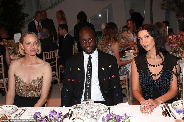 Dàn sao đổ bộ tiệc khủng của Louis Vuitton: Katy Perry - Orlando và vợ chồng Joe Jonas bị dìm toàn tập, Bella Hadid át cả dàn mẫu - Ảnh 11.