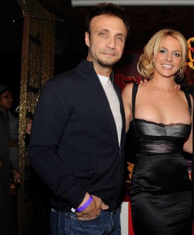 NÓNG: Britney Spears sẽ chính thức giải nghệ, quản lý lâu năm nộp đơn từ chức sau khi bị tố cáo thông đồng bóc lột nữ ca sĩ - Ảnh 5.