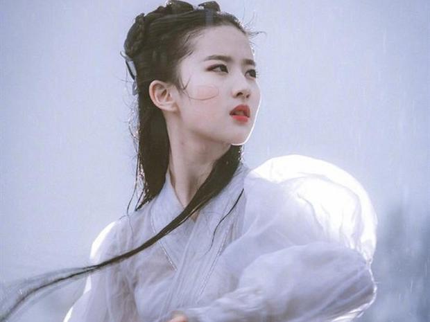 Nhan sắc mỹ nữ lồng tiếng cho Tôn Lệ ở Chân Hoàn Truyện: Tham gia gần 300 phim, còn hợp tác với Lưu Diệc Phi lẫn Dương Mịch - Ảnh 4.