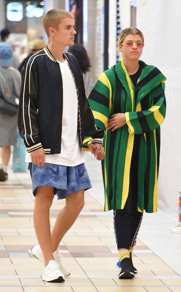 Rosé tiệc tùng với bồ cũ Justin Bieber, netizen ngỡ ngàng vì dàn sao đình đám thân với BLACKPINK ở Hollywood - Ảnh 6.