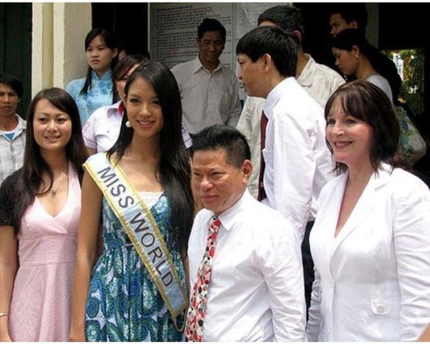 3 mỹ nhân vướng drama tình ái với tỷ phú Hoàng Kiều: Ngọc Trinh sang chảnh nhưng vẫn chưa bất ngờ bằng cuộc sống của 1 Hoa hậu thế giới! - Ảnh 17.