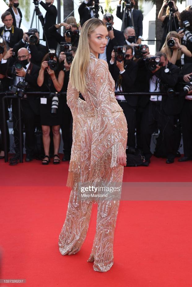 """Thảm đỏ LHP Cannes 2021: Bella Hadid không còn """"nhức mắt"""", bị thiên thần Victorias Secret vòng 1 lép kẹp chặt chém - Ảnh 7."""
