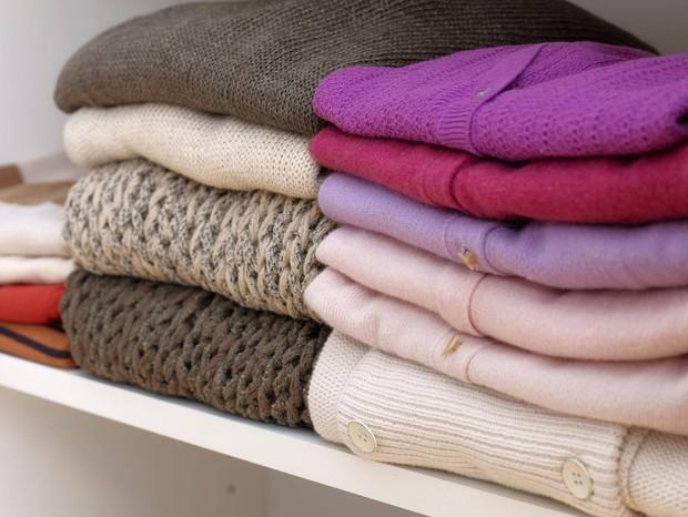 Tín đồ mê shopping phải học ngay 7 cách xếp quần áo để có tủ đồ xịn đẹp sang - Ảnh 8.