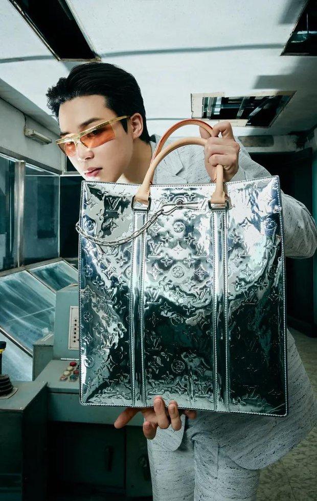 MXH toàn cầu sốc visual vì BTS tại show Louis Vuitton: Jungkook đẹp tê điếng, hot hơn cả là màn lột xác của thành viên giàu nhất nhóm - Ảnh 19.