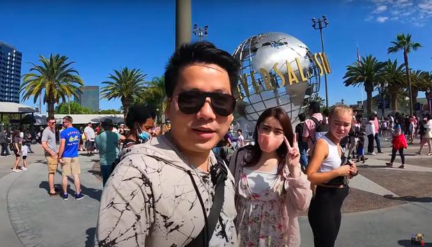 Khoa Pug có bạn gái người Nhật rất xinh tại Mỹ, còn vừa đi chơi xuyên đêm trong clip mới? - Ảnh 2.