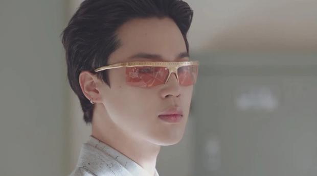 MXH toàn cầu sốc visual vì BTS tại show Louis Vuitton: Jungkook đẹp tê điếng, hot hơn cả là màn lột xác của thành viên giàu nhất nhóm - Ảnh 18.
