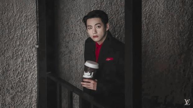 MXH toàn cầu sốc visual vì BTS tại show Louis Vuitton: Jungkook đẹp tê điếng, hot hơn cả là màn lột xác của thành viên giàu nhất nhóm - Ảnh 15.