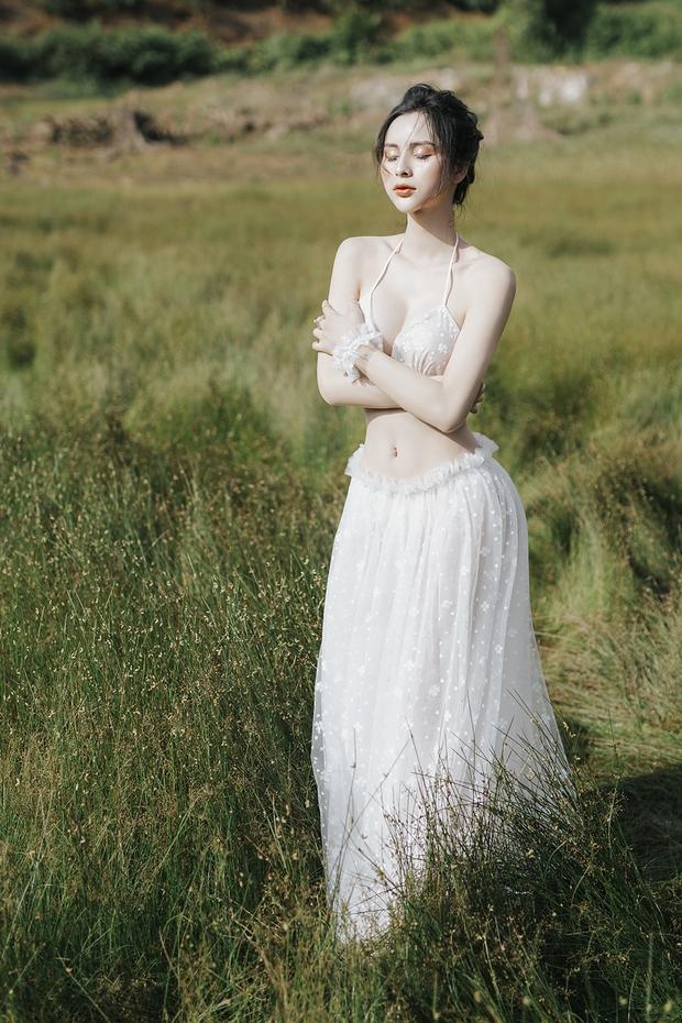 Người đẹp chuyển giới Tường Vi khoe vòng 1 căng tràn, làn da trắng nõn và vóc dáng nuột nà - Ảnh 1.