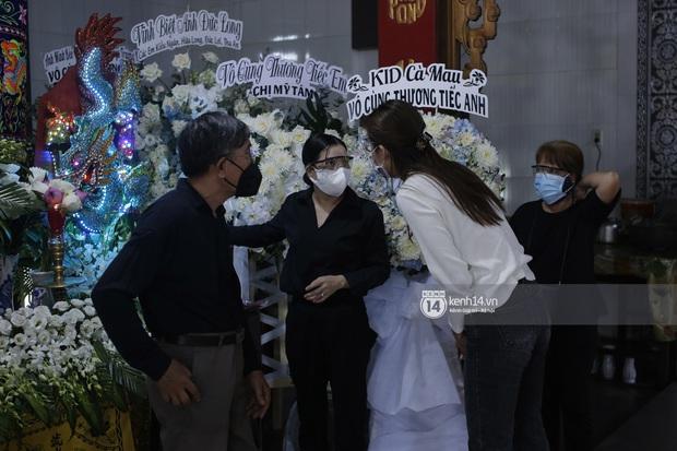 Mẹ cố diễn viên Đức Long nghẹn ngào tiết lộ về bệnh tình của con, vô cùng cảm kích vì hành động này của Cao Thái Hà - Ảnh 3.