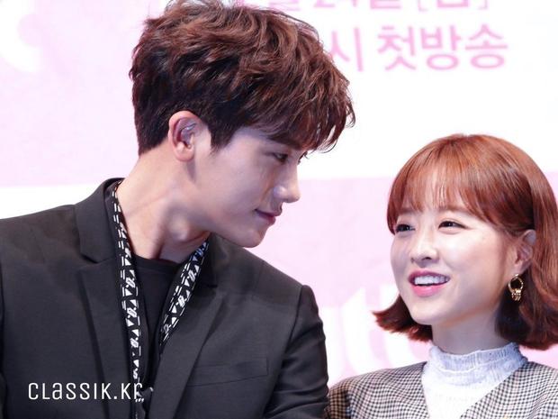 4 cặp đôi màn ảnh Hàn khiến fan nằng nặc đòi phim giả tình thật: Han So Hee - Song Kang vẫn chưa bằng số 2 - Ảnh 13.