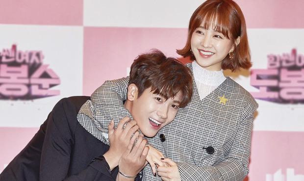 4 cặp đôi màn ảnh Hàn khiến fan nằng nặc đòi phim giả tình thật: Han So Hee - Song Kang vẫn chưa bằng số 2 - Ảnh 15.